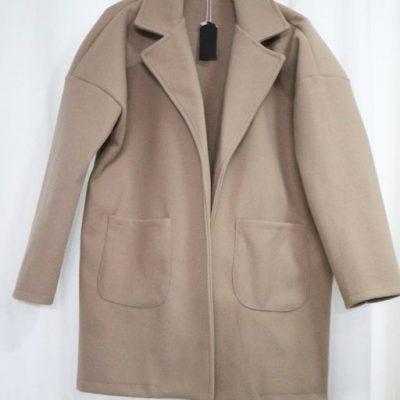 abrigo oversize corto